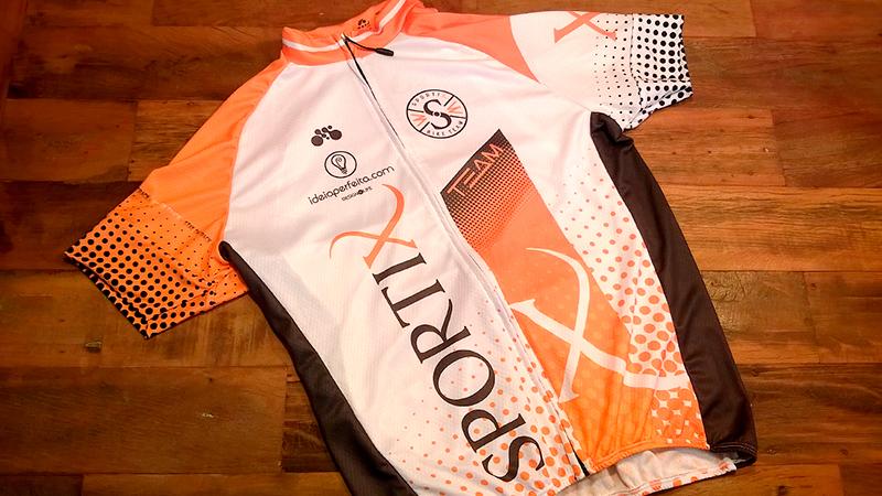 Parte frontal do uniforme confeccionado pela Mynd Sportswear